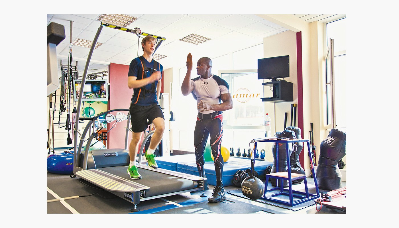 h/p/cosmos treadmill for functional training & athletic training - reverse belt rotation
