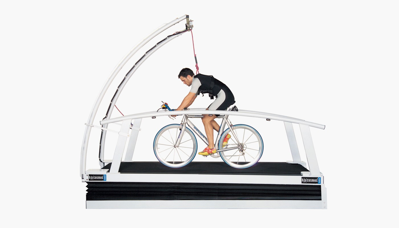 h/p/cosmos oversize treadmill for cycling, performance diagnostics & biomechanical analysis