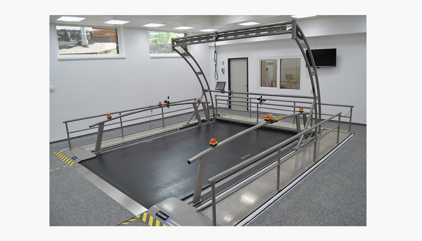 h/p/cosmos oversize treadmill saturn for cross country skiing, skating, peformance diagnostics & motion analysis
